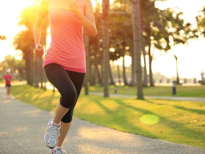 Бег для похудения по утрам для начинающих, польза для здоровья