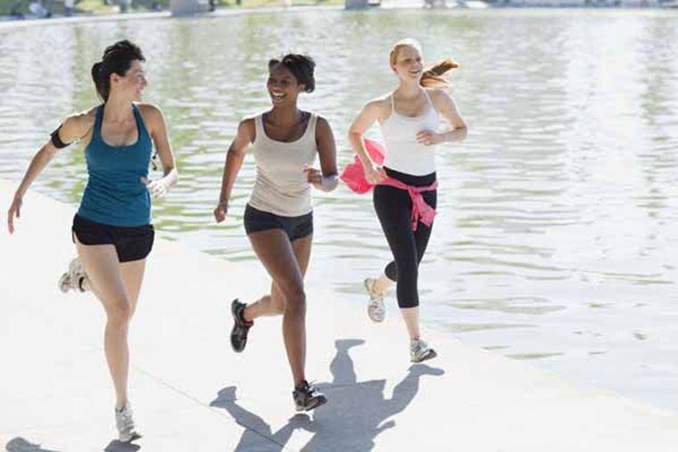 бег натощак помогает похудеть
